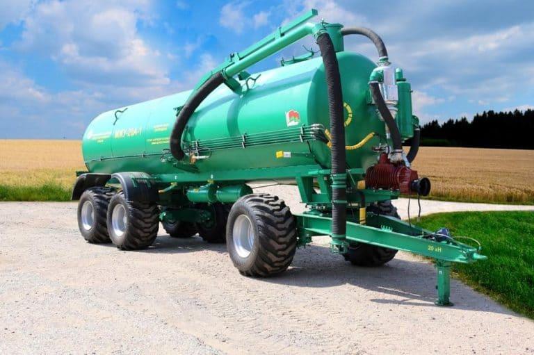 Машина для внесения жидких органических удобрений МЖУ-20А (трехосная)