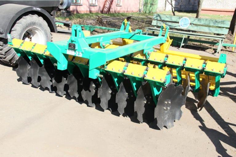 Агрегат почвообрабатывающий навесной АПН-2.5