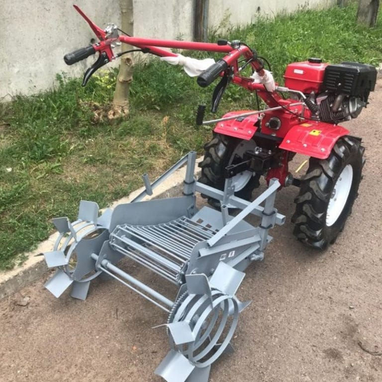Картофелекопатель механический КМ-4